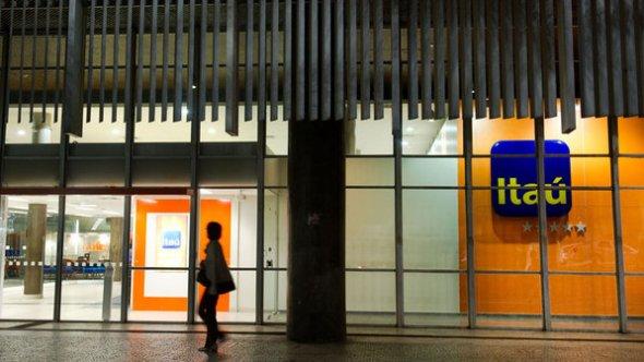 itau-banco-fachada-assalto-avenida-paulista-size-598