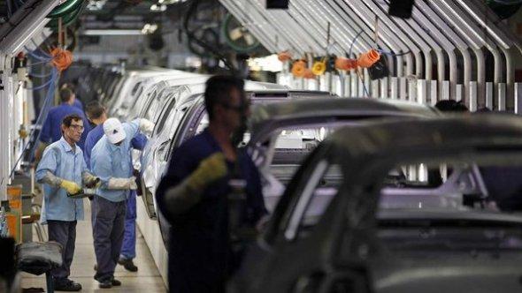 metalurgica-linha-montagem-automovel-ford-20120615-28-size-598